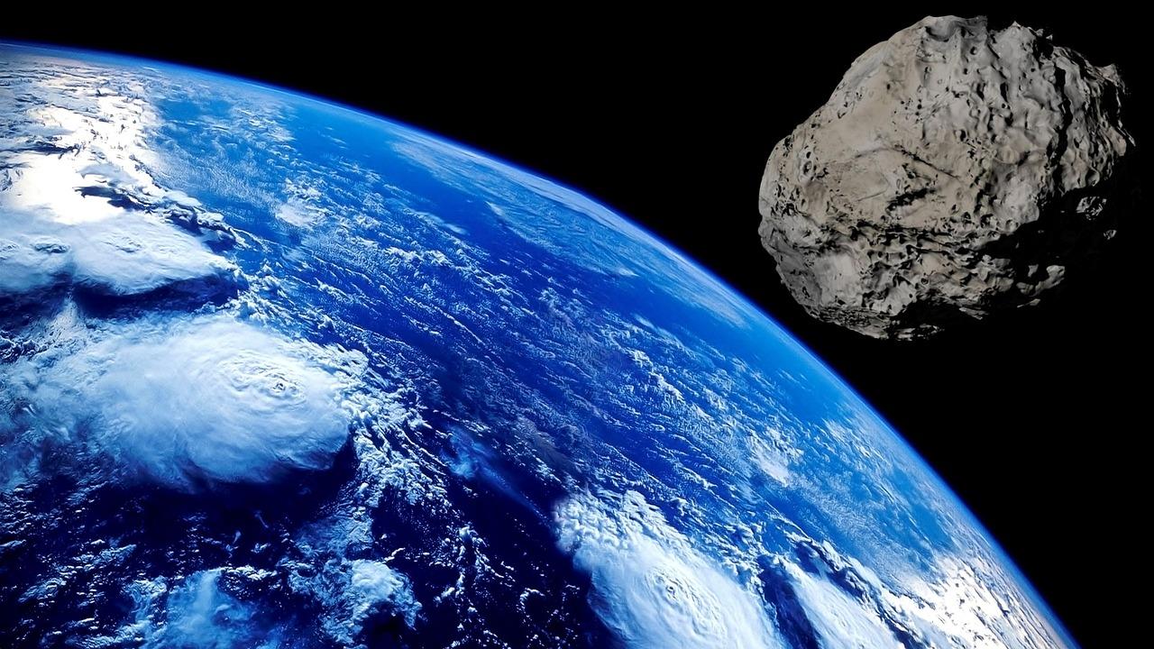 gigantyczna asteroida
